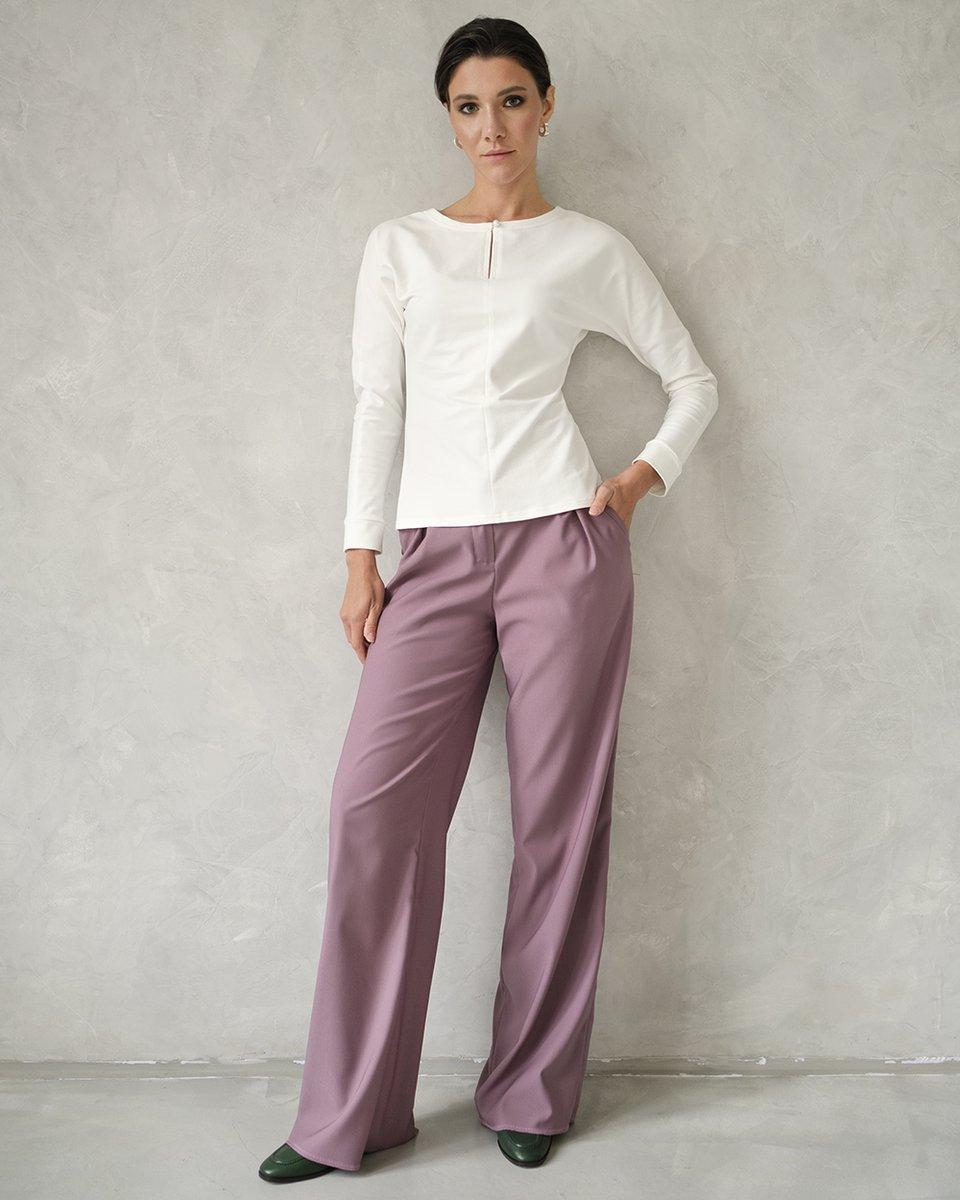 Трикотажная блуза с декольте-капелькой
