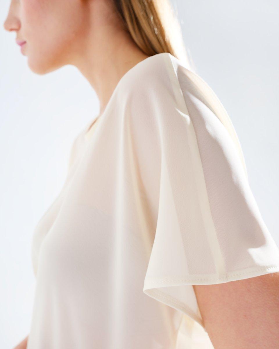 Блуза-футболка лимонного цвета