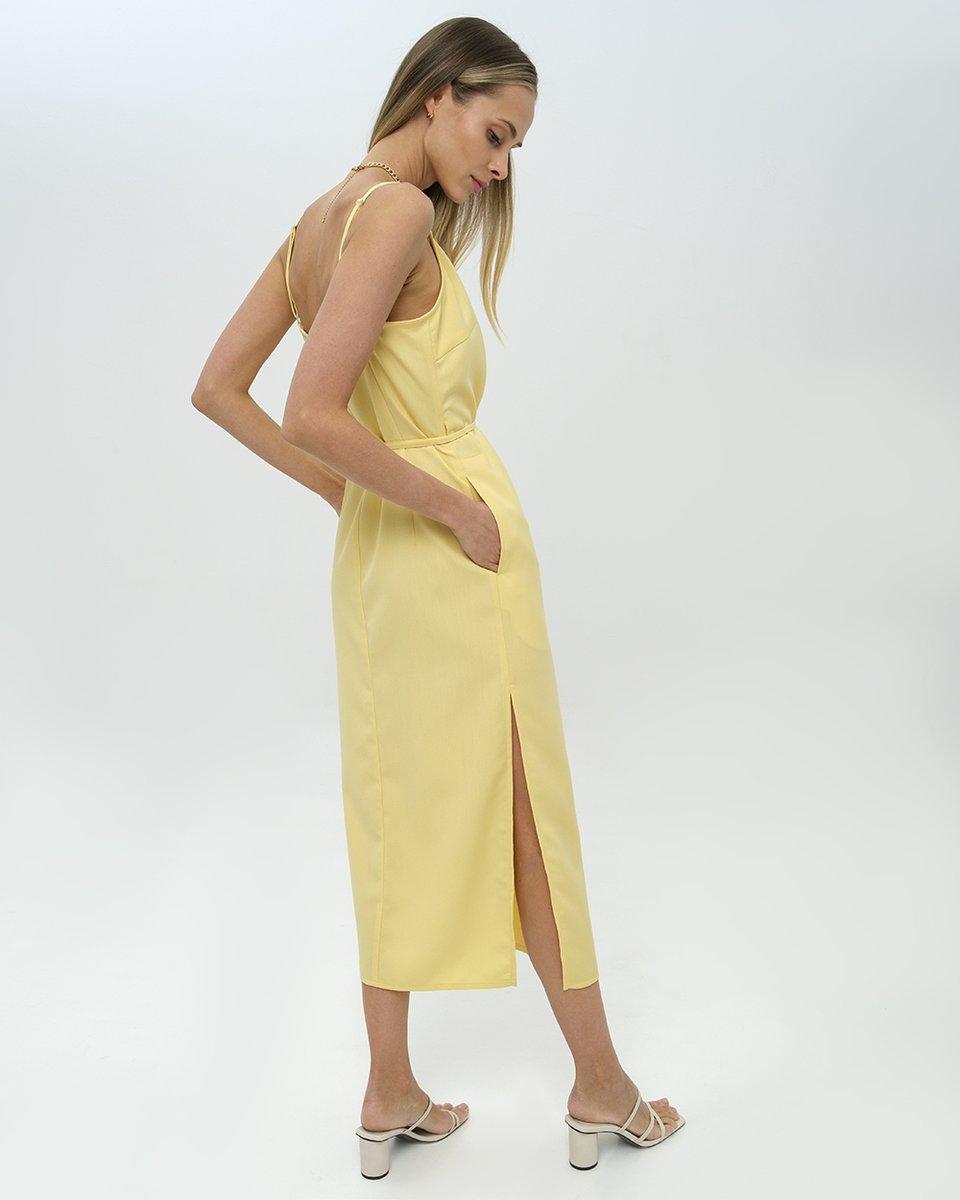 Платье-миди на тонких бретелях,  желтого цвета