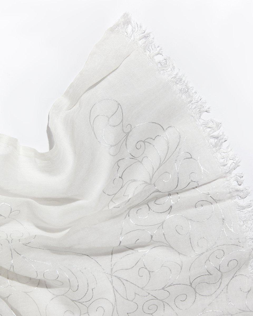 Палантин белый с серебряным узором 80/210
