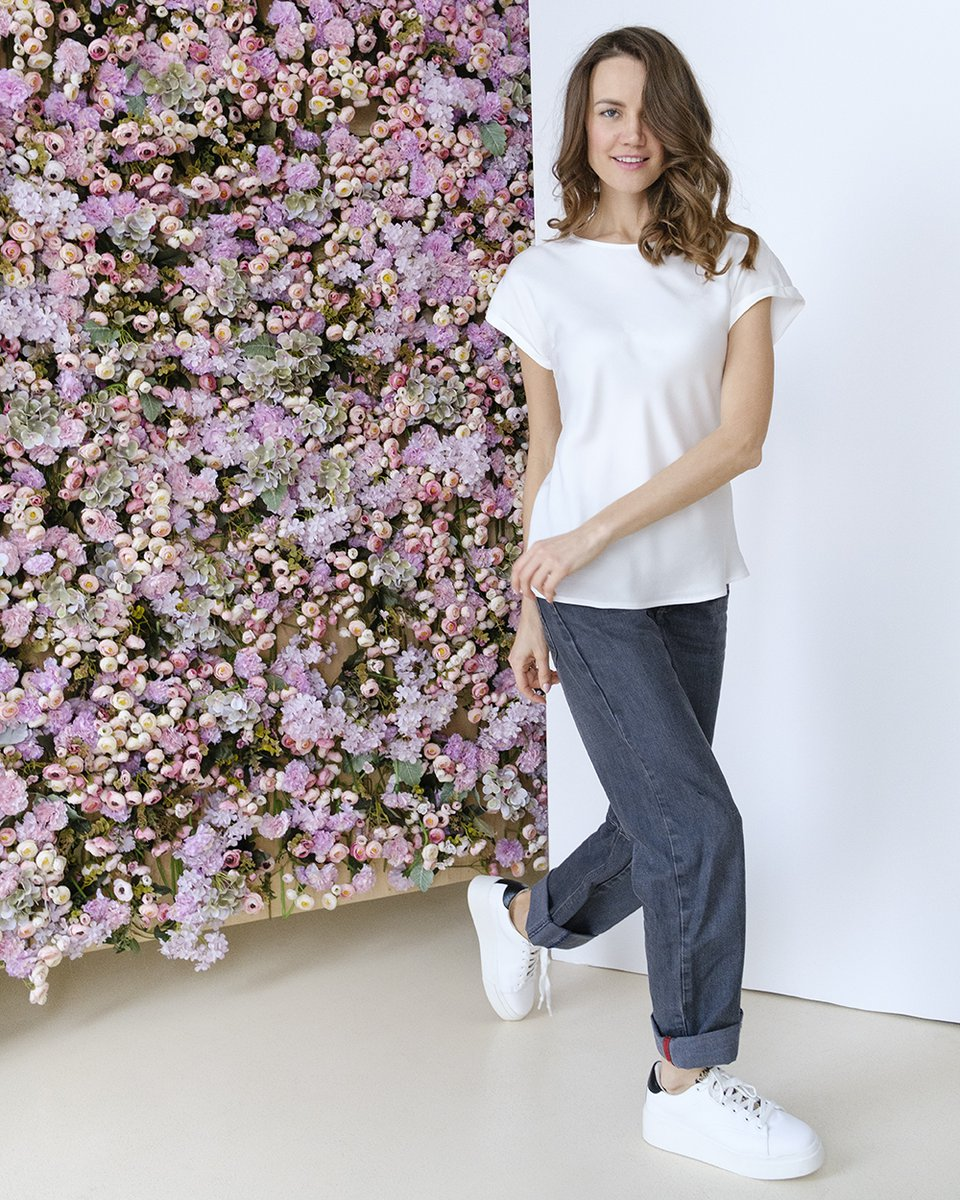 Блуза-футболка белого цвета