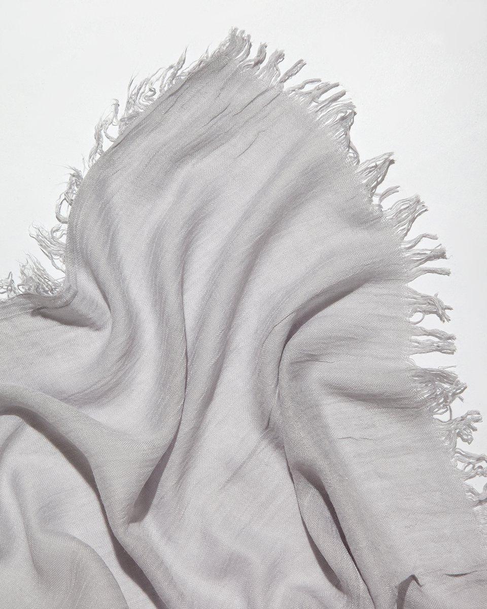 Палантин серого цвета 90/190