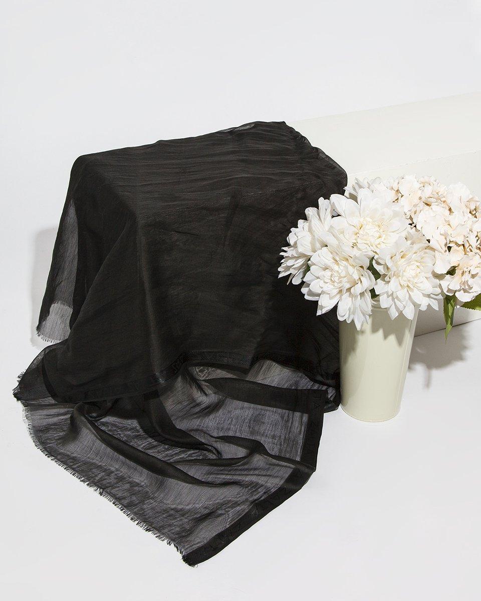 Палантин черного цвета 92/176
