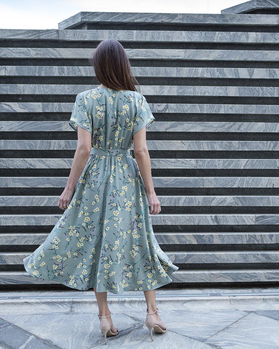 Платье с юбкой на запах, из вискозы