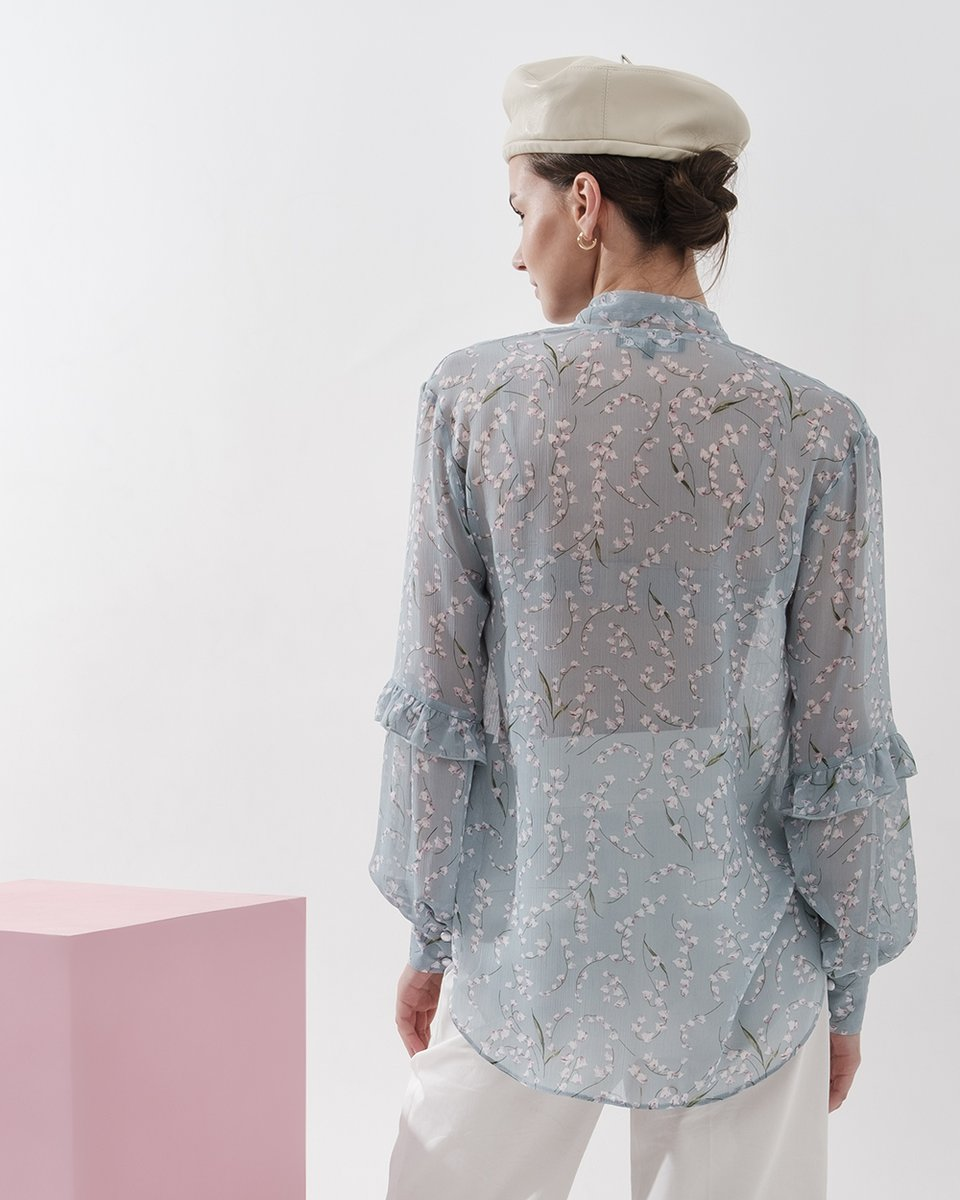 Блуза шифоновая голубая с рюшами в мелкий цветочек