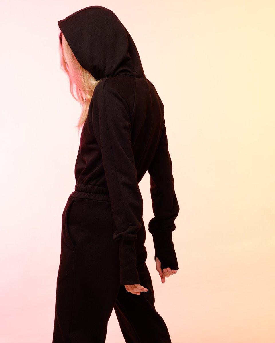 Комбинезон трикотажный черного цвета