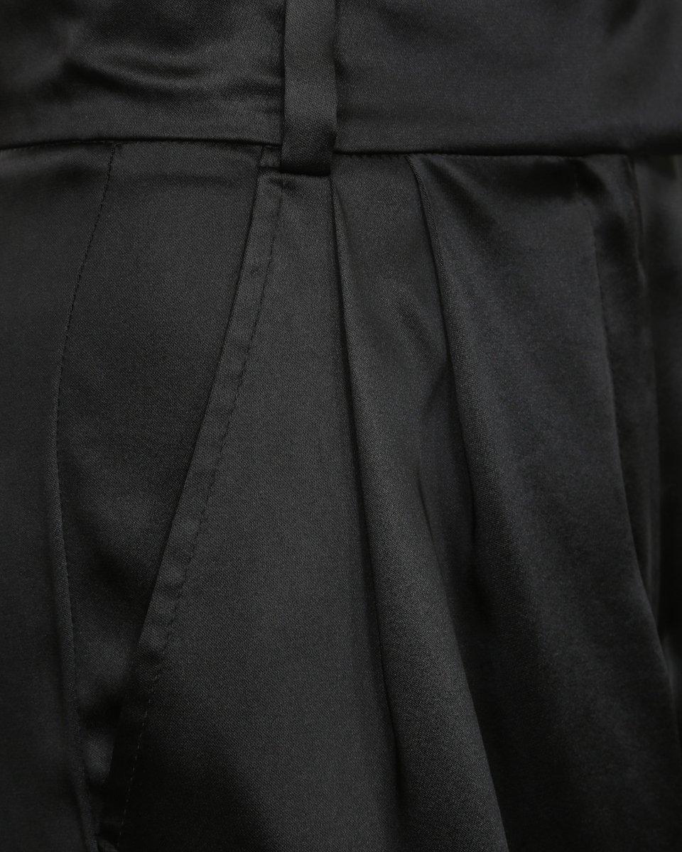 Брюки черные широкие со складками из струящейся ткани