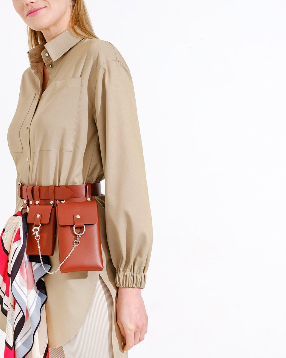 Кожаный пояс терракотового цвета с подвесными кармашками