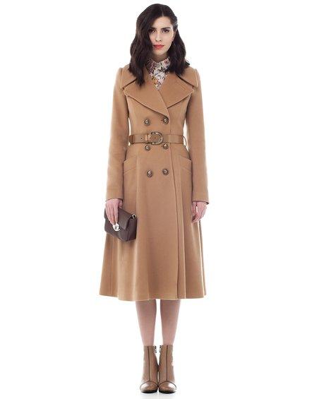 Пальто женское с расклешенной юбкой