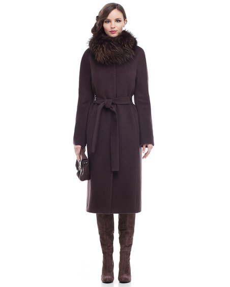 Пальто не без; меховым воротником-шалью, коричневое