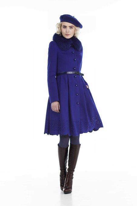Пальто из пышной юбкой, украшенной фестонами