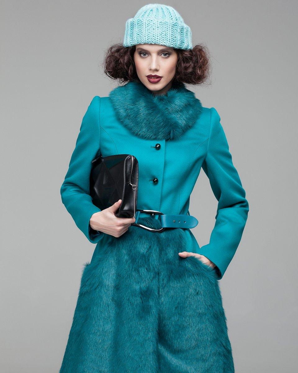 Пальто с юбкой из меха
