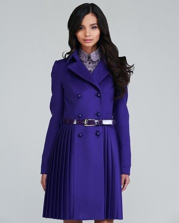 Пальто двубортное с плиссированной