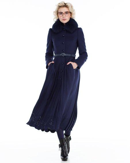 Пальто не без; юбкой складки равным образом фестонами